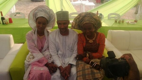 411vibes  Naija guy gets married to 2 beautiful girls at the same time