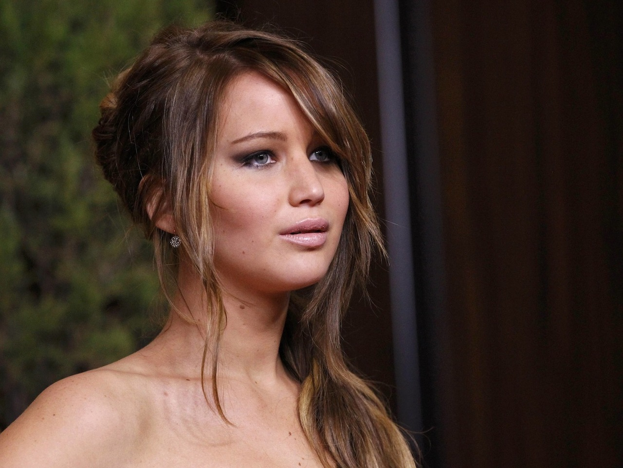 Another round of jennifer lawrence nu d 163 images are leaked by hackers