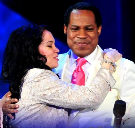 Pastor-Chris-Oyakhilome-With-Wife-Anita-411vibes