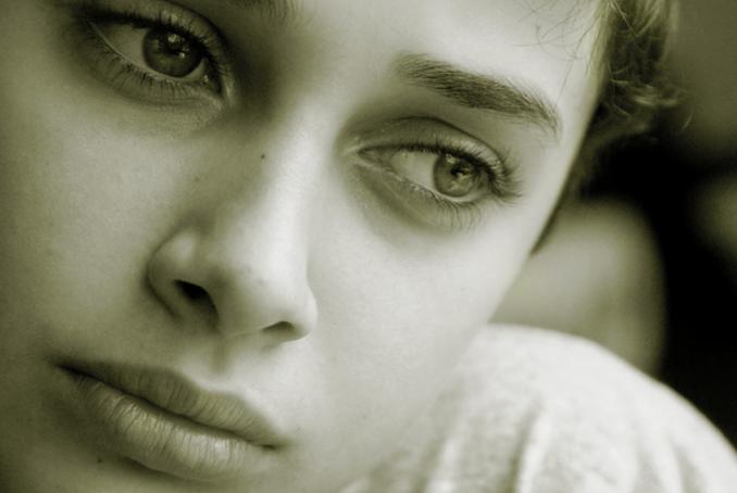 sad-girl-graphic-photo-411vibes