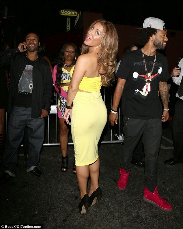 So Replaceable Meet Wiz Khalifas New Boo See Who Hes Now Dating