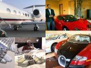 Floyd Mayweather flaunts his wealth