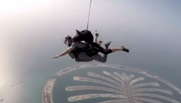 Rukky Sanda jumps off a plane theinfong