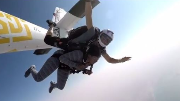 Rukky Sanda jumps off plane