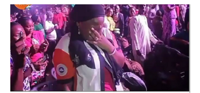 Guy proposes to girlfriend during RCCG's 74 hours praise