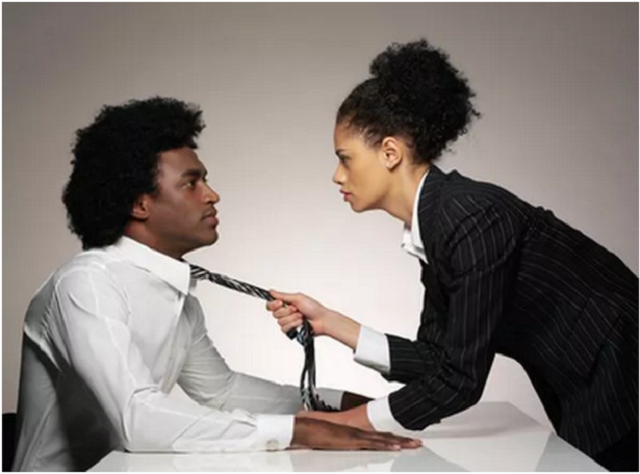 Ways to enjoy office romance