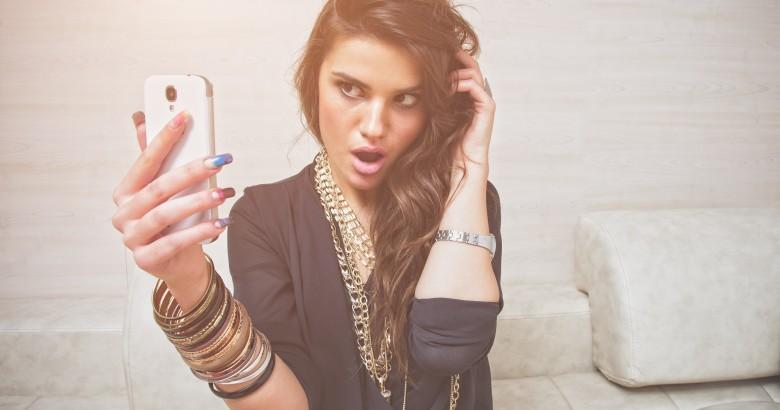 shutterstock_Selfie-6
