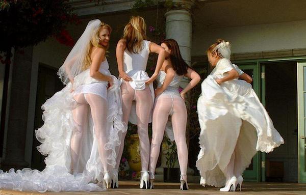 фотографии подглядывание под платье невесты
